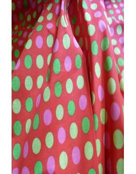 Tissu 100% coton imprimé fond rouge