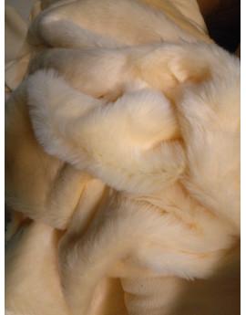 tissu fausse fourure a poil court jaune clair