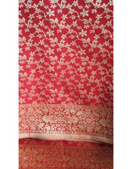 Tissu Brocart Petite Fleur Or Fond Rouge.