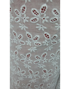 Broderie anglaise 01