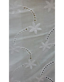 Broderie anglaise 07